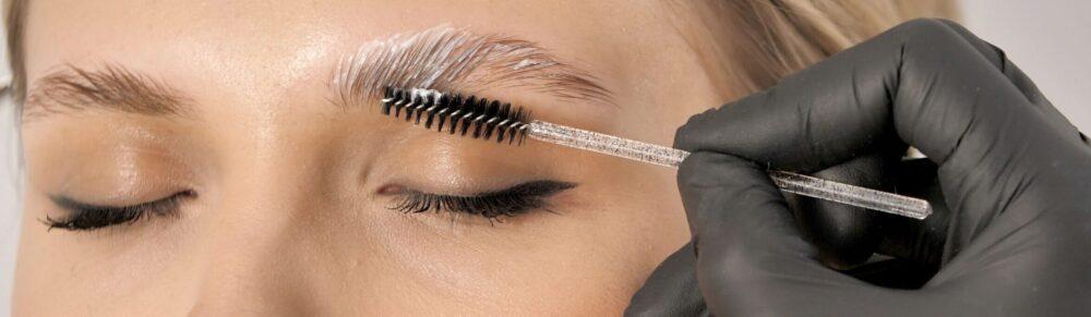 Brow Lamination, eyebrow image close up